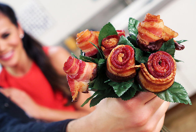 How To Make Chocolate Dipped Bacon Roses Because Murica