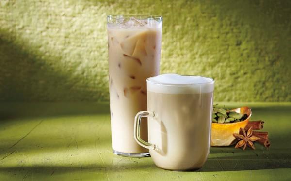 Starbucks-Iced-and-Hot-Oprah-Chai-Tea-Lattes