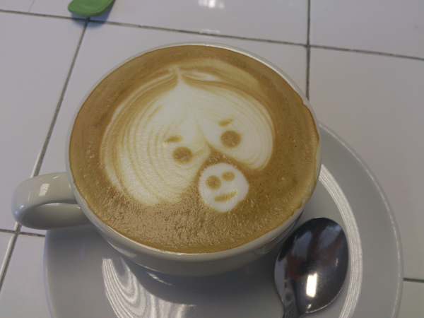 Barista-Latte-Art-01