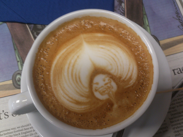 Barista-Latte-Art-02