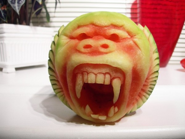 Clive-Cooper-Watermelon-carvings-9-600x450