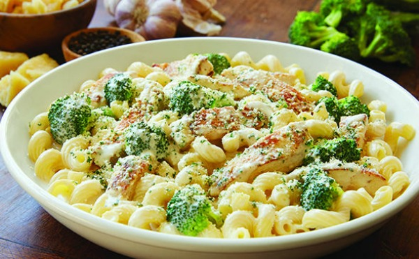 Grilled Chicken with Broccoli Alfredo