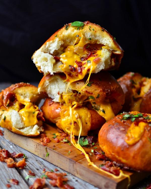 cheddar-bacon-pretzel-buns