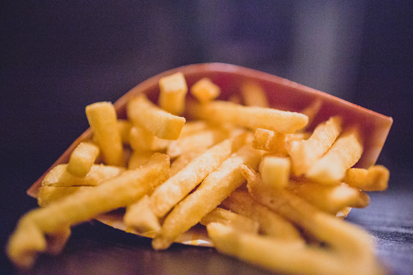 Potato Crisis Puts End to Super-Sized Fries in Japan, Small or Nothing