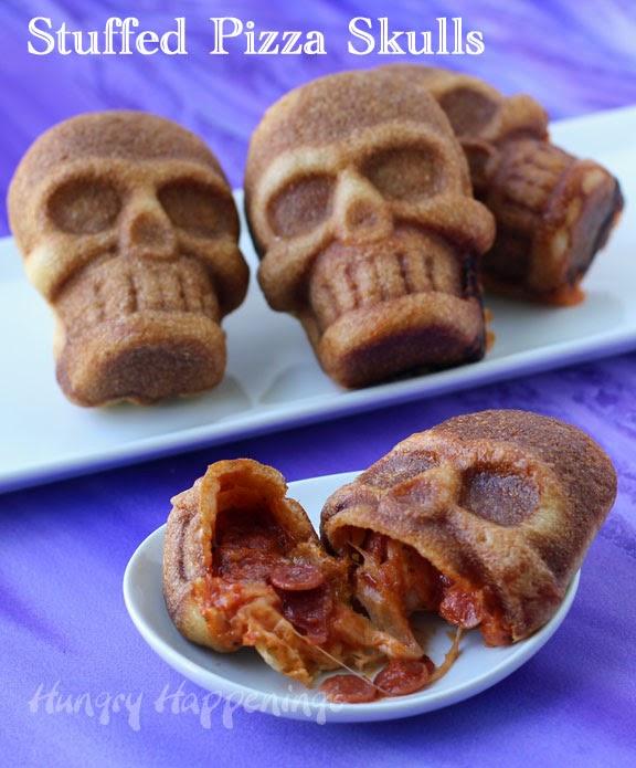 Halloween-food-stuffed-pizza-skulls  (1)