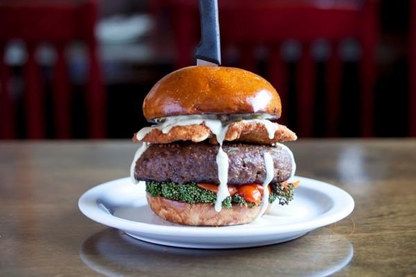 ravioli-burger-far