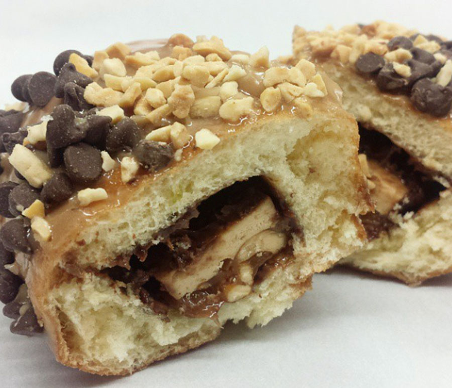 snickers-inside-a-donut