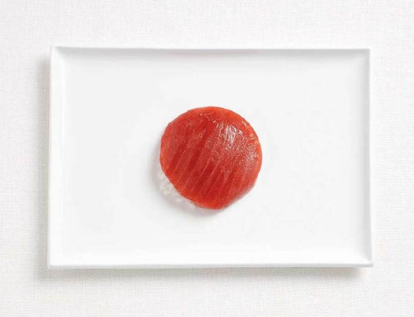 japan-flag-made-from-food-600x459