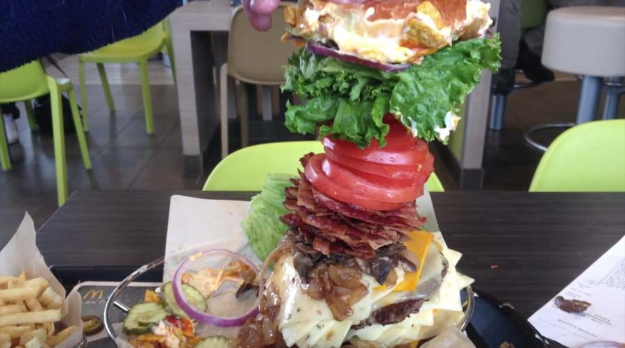 A Guy Just Broke McDonald's Build-Your-Own-Burger Station With This $900 Beast