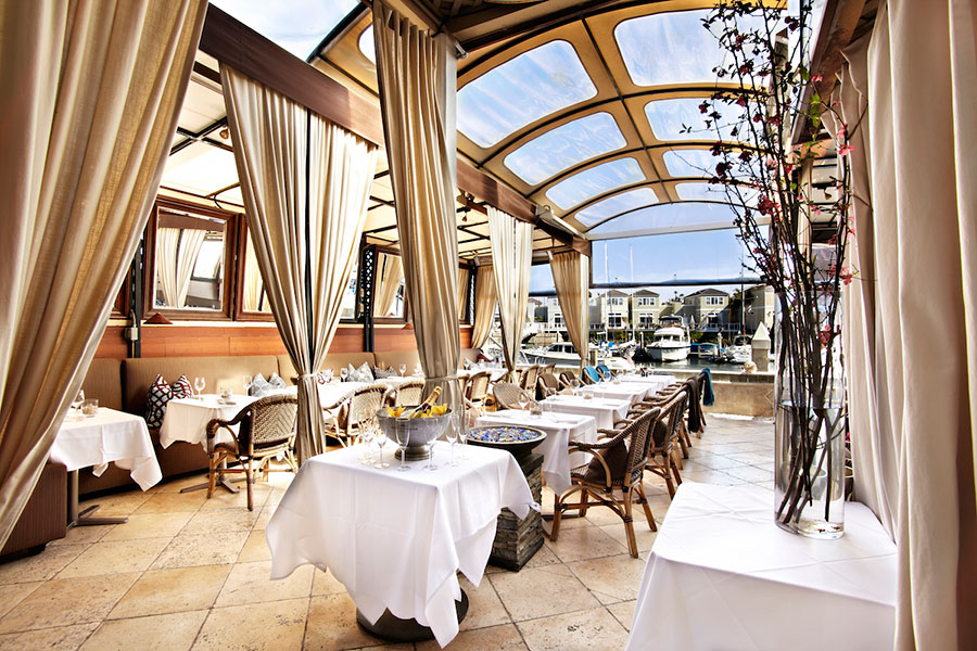 11 Restaurants With Outdoor Seating You Ll Only Get In Orange County Dining At The Dock Image Gallery Of Newport Beach Restaurant