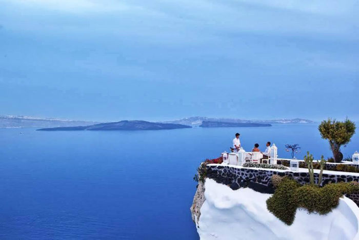 adronis-santorini-greece