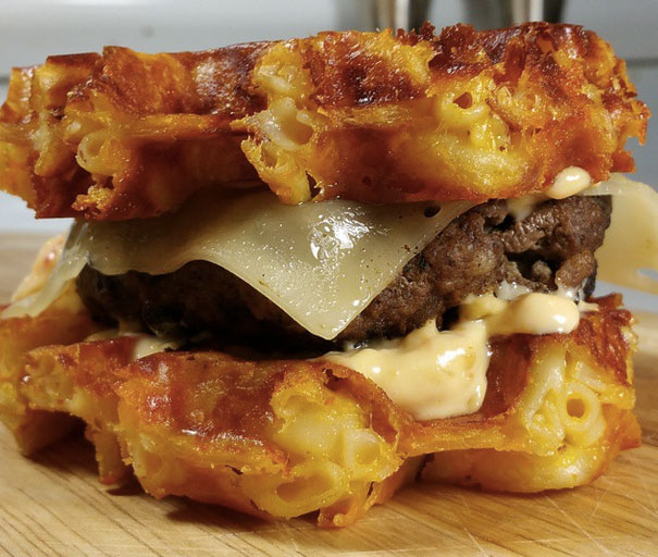 This Genius Instagrammer Made A WAFFLED MAC & CHEESE BURGER