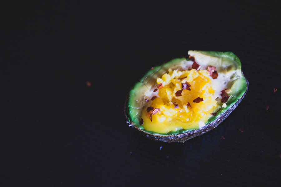 Avocado-Bake-Yolk