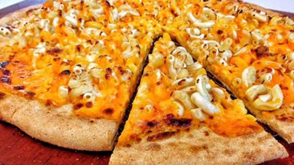 Chuck-E-Cheese-Mac-Pizza