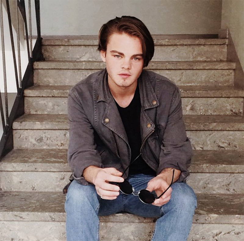 DiCaprioDouble_08
