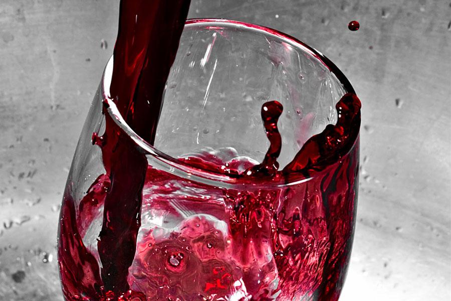 Wine-Pour-Stk