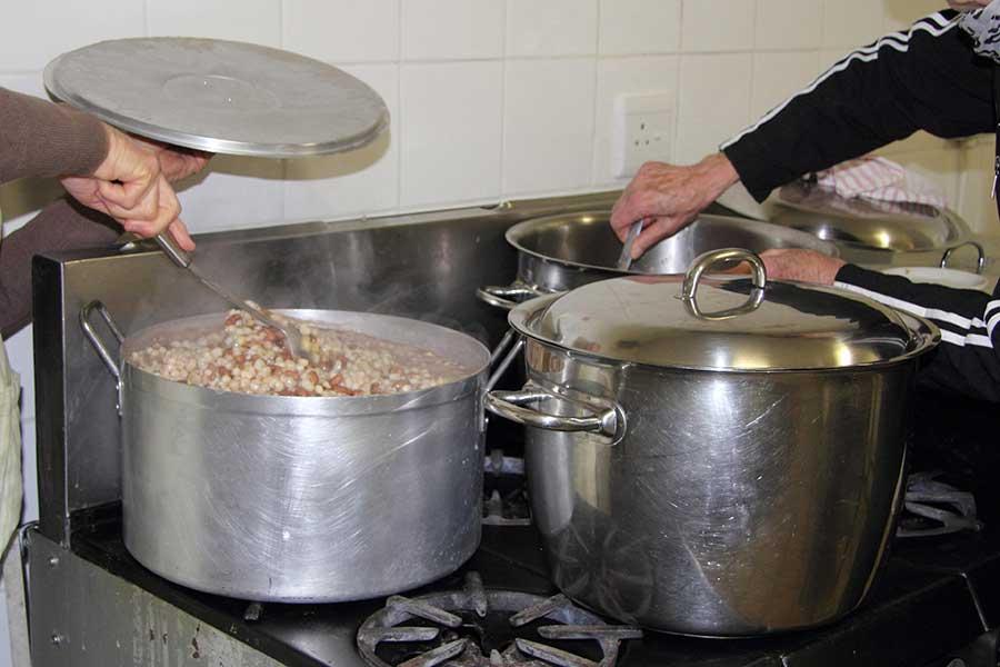 stirring-beans