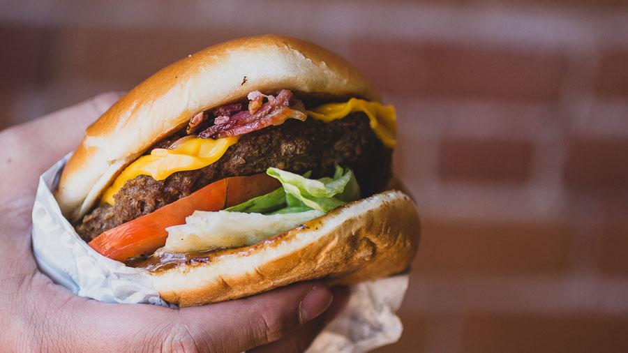 3Way-Burger-Carls-01