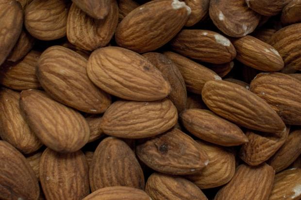 almonds-stk