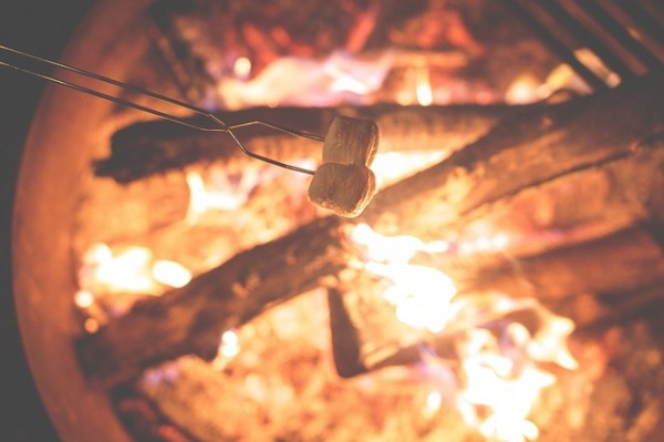 campfire-1031141_640
