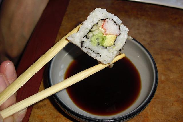 sushi-689645_640