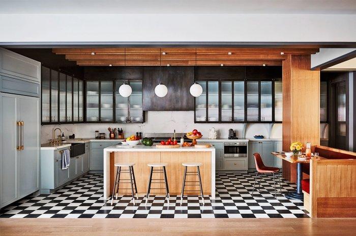 Naomi Watts kitchen-instyle by douglas freidman