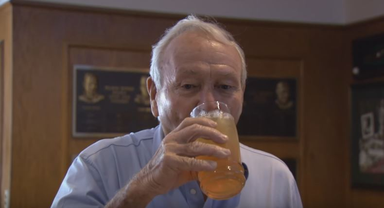 How Arnold Palmer Awkwardly Ordered Arnold Palmer Drinks
