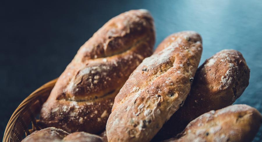 bread-loaves-stk-001