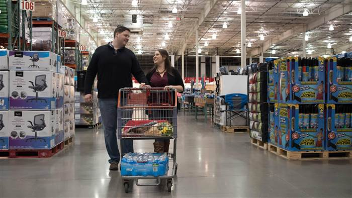costco-engagement-photos-today-tease4-160517_21e0f47434d0b95b119490e0d7af1e20-today-inline-large