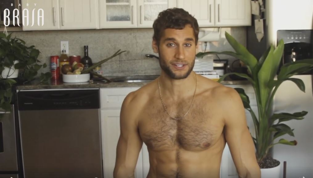 This Naked Chef Is Going Viral For A Big Reason Watch-2574