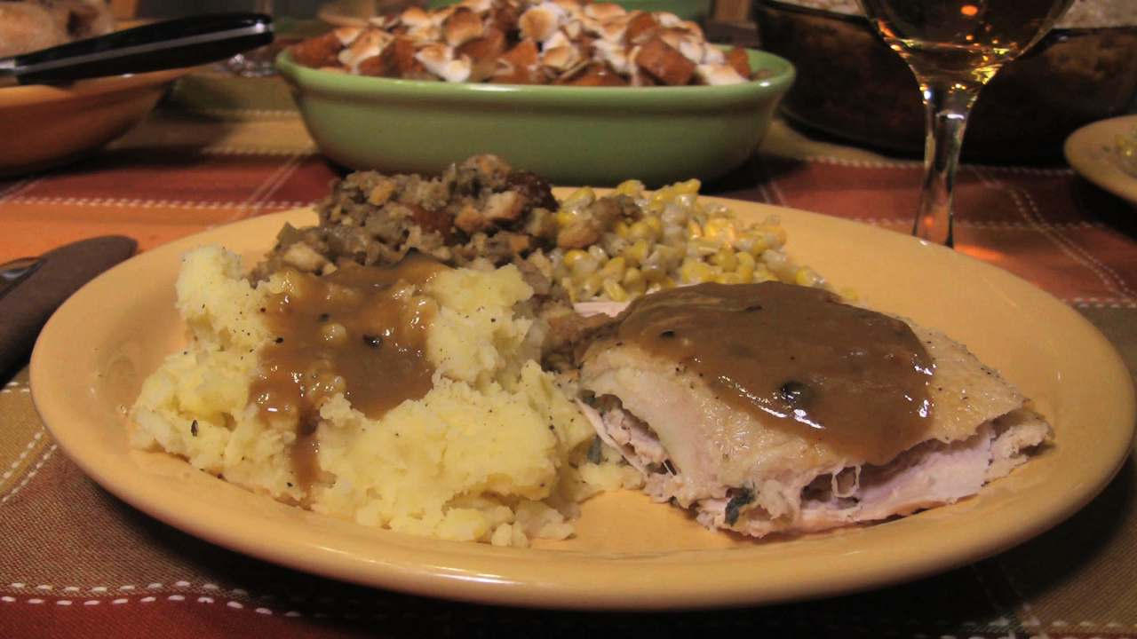 How To Cheaply Cook Thanksgiving Dinner In Under An Hour