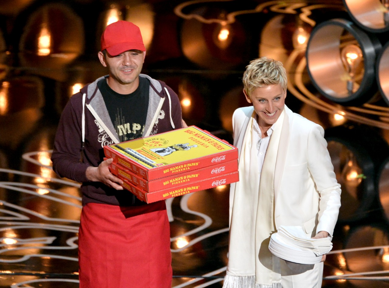 These 8 Wacky Food Delivery Stories Required HUGE Tips