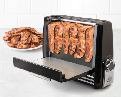 This Bacon Toaster Just Made Cooking Breakfast A LOT Easier