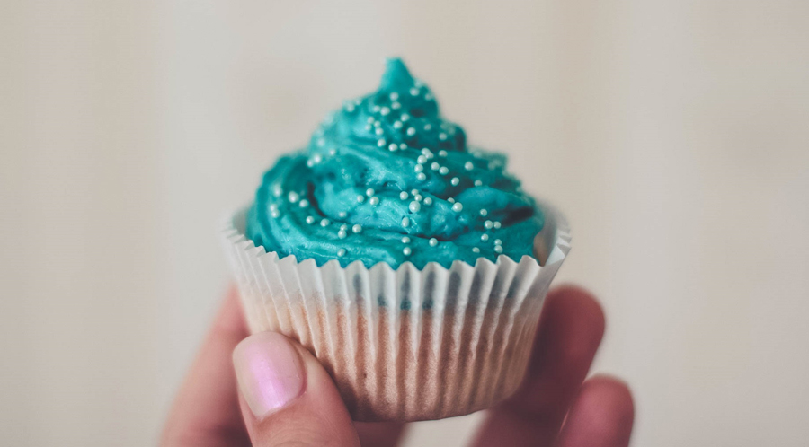 This Instagram Makes Stunning Tutorials On Frosting Cupcakes