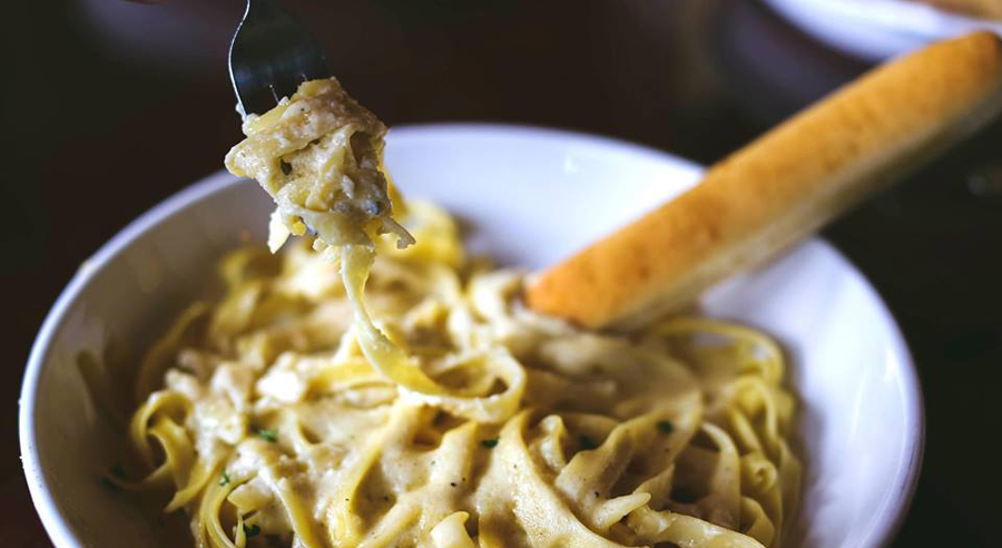 olive garden is dishing out 39 all you can eat 39 versions of