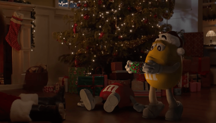 M&M\'s Made A Sequel To The Fainting Santa Commercial, With One Key Flaw