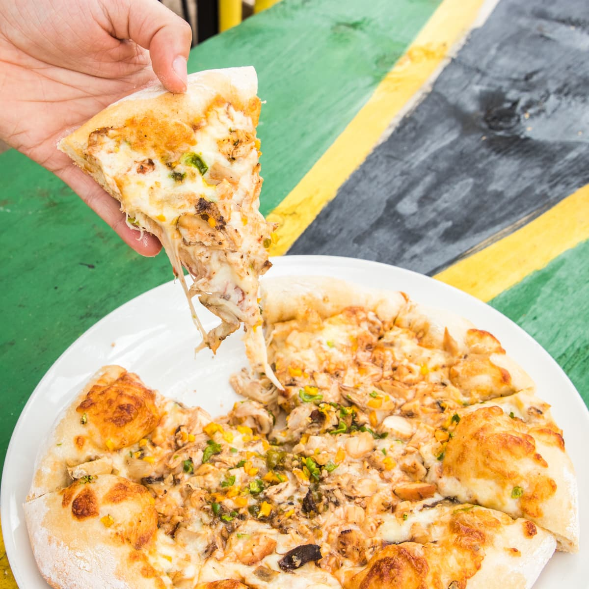 jamaican jerk chicken pizza