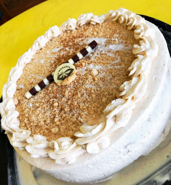 la monarca bakery horchata cake