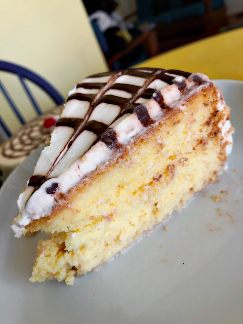 La Monarca tres leches cake