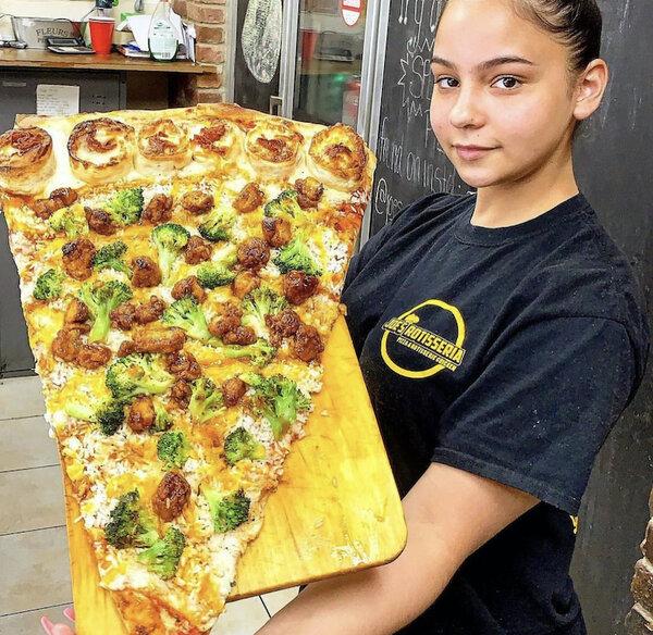 General Tso Pizza